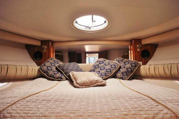 Nuomojamos jachtos ausrine interjero dizainas miegamasis
