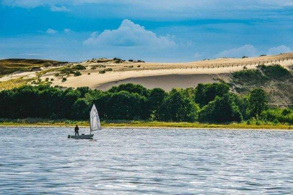 Parnidis dune with yacht