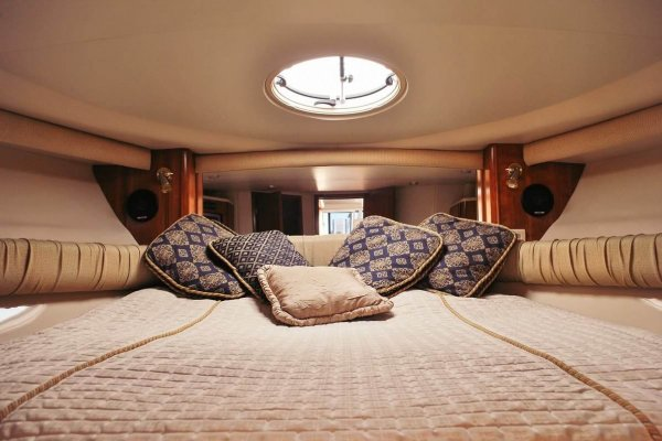 yacht ausrine interior design of the bedroom